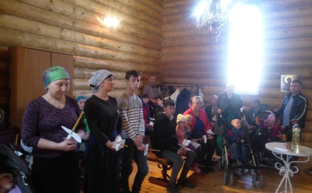 Новая традиция - соборование в Вербное воскресение