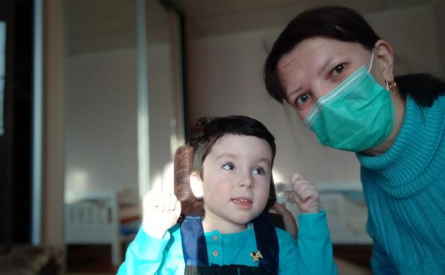 Thumbnail для -  Обучение сестер милосердия навыкам ухода за тяжелобольными детьми